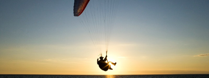 Paraglider hotel California Spain